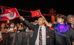 İzmir'de 99. Yıl coşkusu